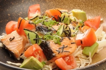 Quick Seared Salmon Salad